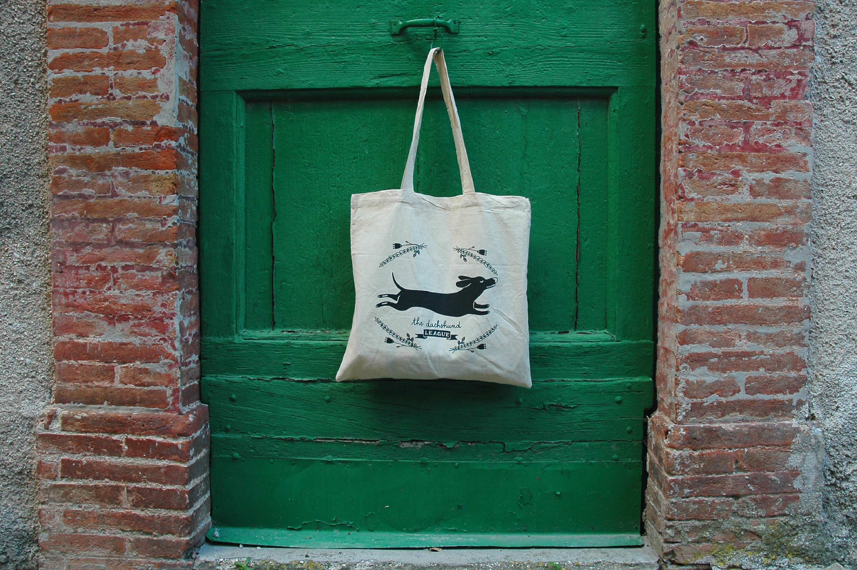 giuliasagramola_dachshund_bag_photo01_2880px