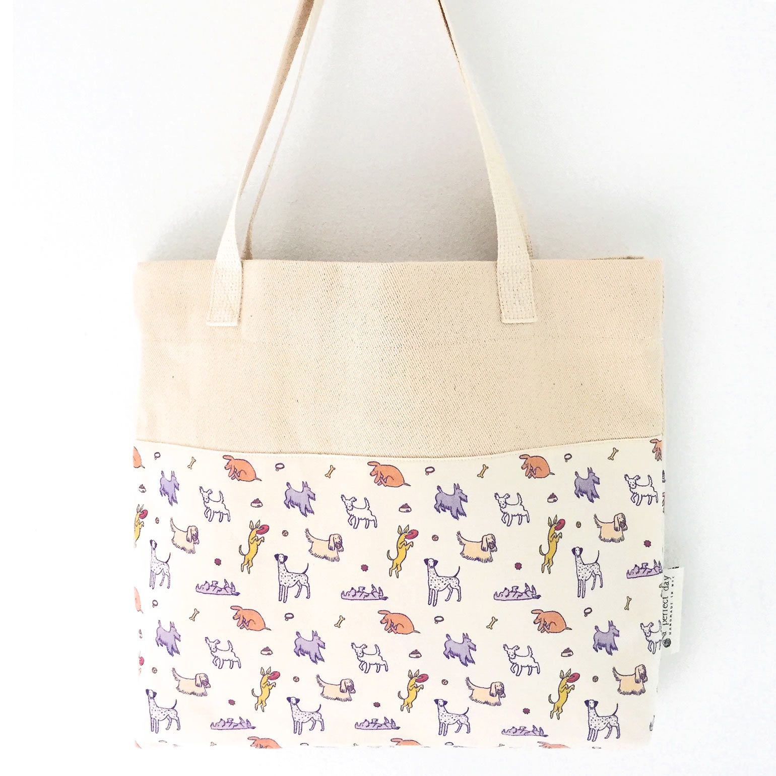2017APerfectDay_Happy_Dogs_Tote1540px